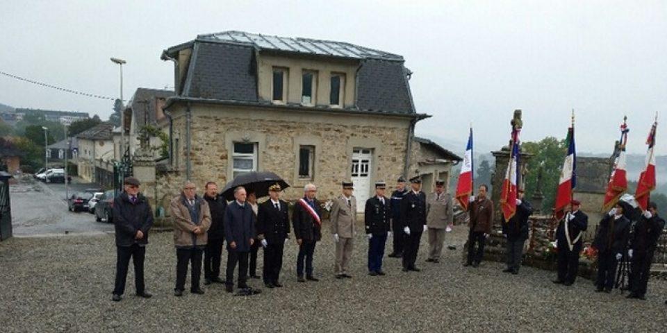 Monument aux Morts de Bourganeuf, lundi 25 septembre 2017. Cérémonie en hommage aux Harkis et autres membres de formations supplétives.