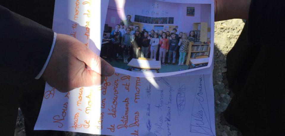 Vendredi 17 novembre 2017. Pose de la première pierre du groupe scolaire de Saint Sulpice le Guérétois.