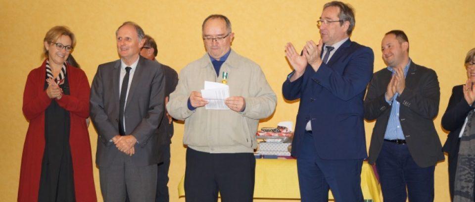 Samedi 18 novembre 2017. Remise de médaille d'honneur régionale, départementale et communale échelon or à M. Marcel SOLNON. Commune de Reterre.