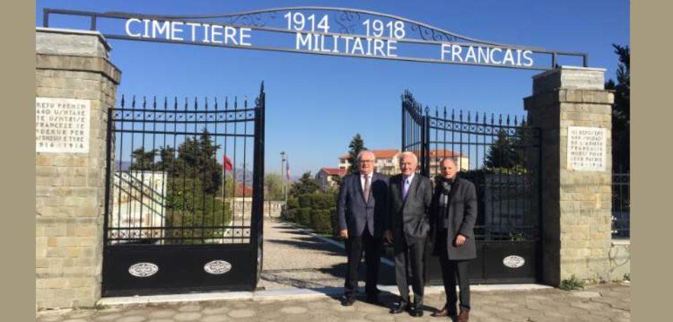Visite en Albanie, en qualité de vice-président du groupe interparlementaire d'amitié France-Albanie.