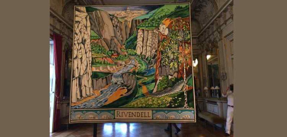 24 septembre 2019. Réception à l'Ambassade de Grande-Bretagne, mettant à l'honneur J.R.R. Tolkien et présentation d'une des tapisseries tissées à Aubusson à partir de son oeuvre.