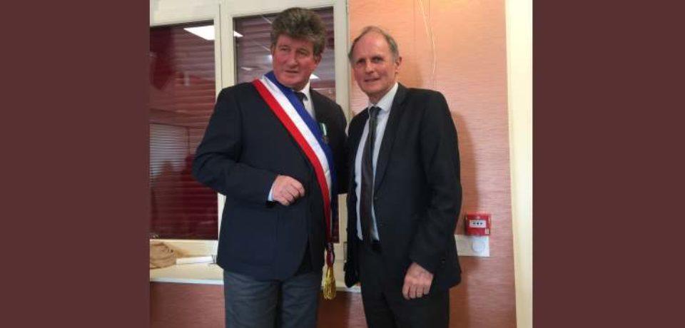 13 avril 2019. Remise de la médaille d'honneur communale à M. Daniel BEUZE, Maire de Domeyrot.