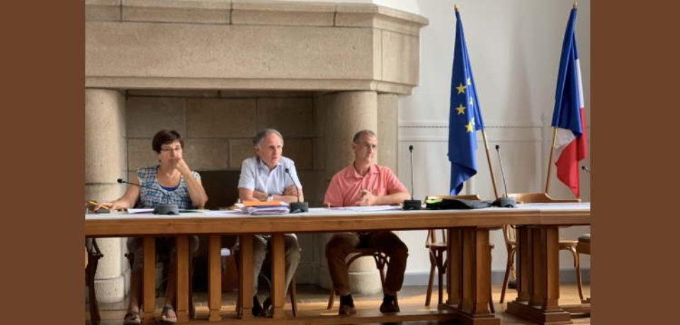 11 juillet 2019. réunion des Maires du canton de Bourganeuf, consacrée à la répartition des amendes de police et aux travaux de voirie, réalisés en 2018 et programmés en 2019